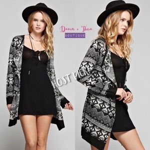 Davin+Theia Sweaters - 2 Left‼️HP 3X 💖 Tribal Print Open-Front Cardigan
