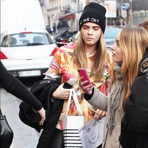 Aldo Accessories - BAD HAIR DAY beanie - seen on Cara Delevingne 0067ac3ce9b9