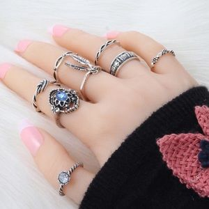 Jewelry - 8 Piece Tribal Boho Vintage Leaf Midi Ring Set NWT
