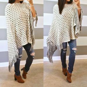 Sweaters - LAST SALE• Winter white Gray overlay fringe poncho