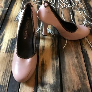 Fashion Bug Shoes - Pink size 9 adorable heels.