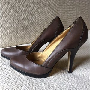 Anthropologie Shoes - Anthropologie Seychelles Brown Pumps