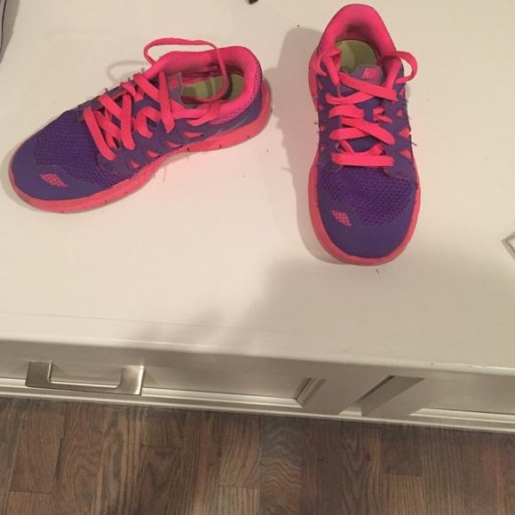 Nike Shoes | Girls Youth Size 2 | Poshmark