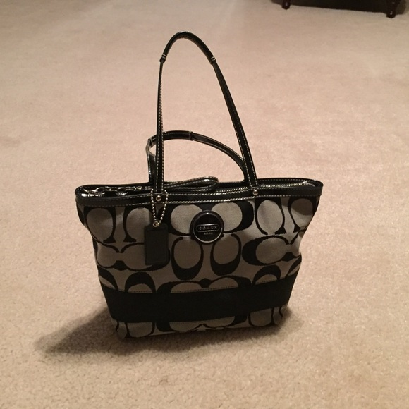 1d0231c4f64 Authentic black C pattern coach tote