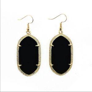 Jewelry - Pretty statement earrings