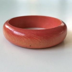 Jewelry - 🌅👉🏼Coral Tinted Wooden Bangle