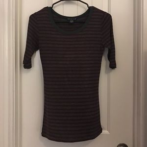 Tops - Fitted quarter sleeve shirt