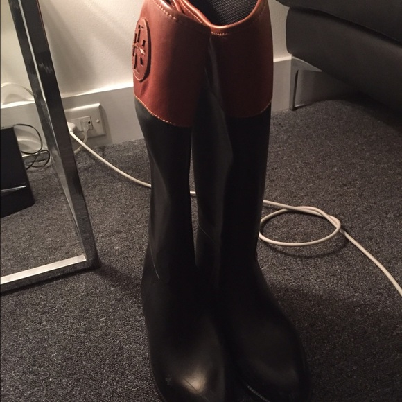 cb74f01d718c Authentic Tory Burch Winnie Rain Boots!!!! M 582281eea88e7d0089050123