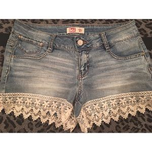 Pants - 💘👑NWOT LEI LACE TRIM DENIM SHORTS👑💘