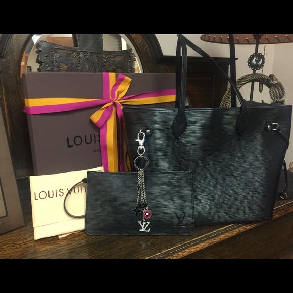 26e6dd22a09f Louis Vuitton Epi Noir Neverfull MM ( SOLD )