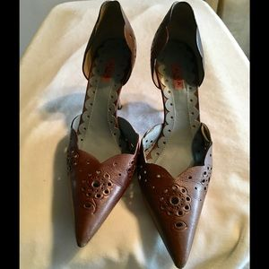 Alaia Shoes - ALAIA Brown Perforated Leather Pointed Pumps Sz5.5