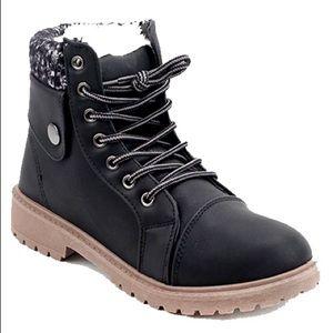 🎈LAST ONE🎈Ladies ankle booties Black color. NIB
