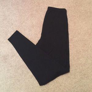 Simply Vera Vera Wang Pants - Size small Vera wang black leggings