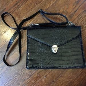 Deena and oozy black cross body purse from UO