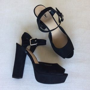 Chunky Black Suede Ankle Strap Platform Heels Pump