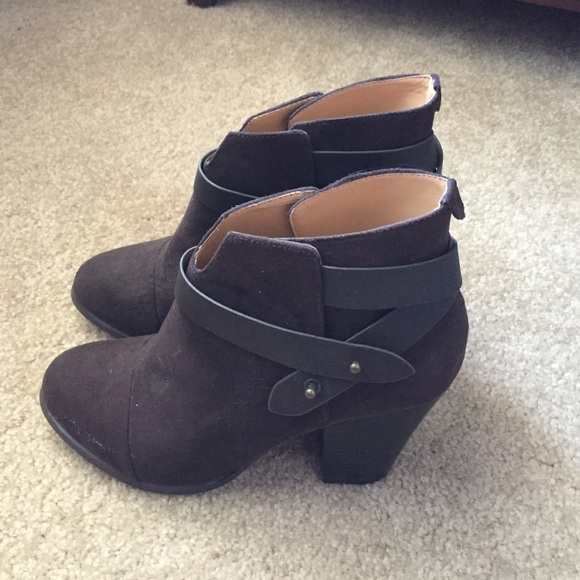 50% Off Forever 21 Shoes - Forever21 Dark Brown Booties Size 7.5 From Evau0026#39;s Closet On Poshmark