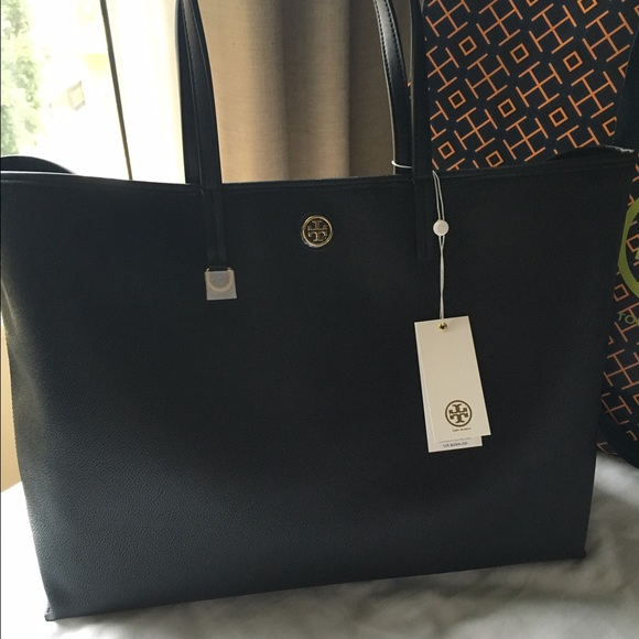 ab483792a636 LAST CHANCE 💥 NWT Tory Burch Cameron Tote