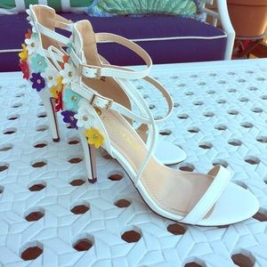 Chase and Chloe white sandals with flowers