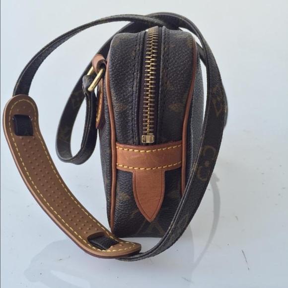 67 off louis vuitton handbags louis vuitton cross body