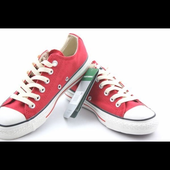 1cdbfd07b2fe19 Converse Shoes - Women s size 7 CONVERSE ALL STAR lace up shoes