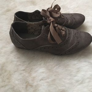 "Restricted Shoes - Cute brown lace up ""tap"" shoe"