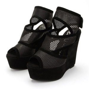 Jeffrey Campbell Shoes - Jeffrey Campbell Mesh-Wedge in Black