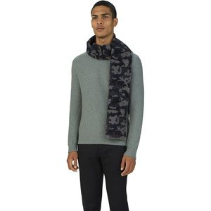 Ashton Kutcher's pick: UAS Assembly - Camo Scarf