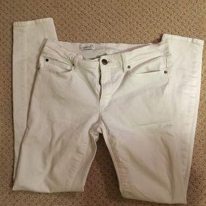 White gap skinny jeans