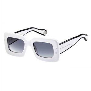 Marc Jacobs Accessories - 🆕NWOT Marc Jacobs Sunglasses