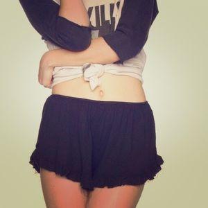 Brandy Melville black vodi shorts