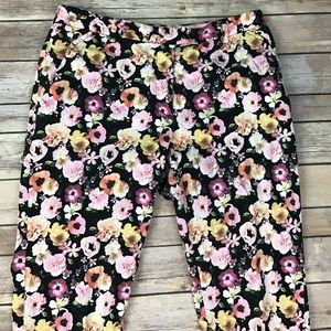 H&M Floral ankle crop Capri Pants