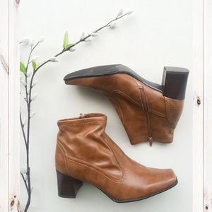 Bass Shoes - Bass Distressed Brown Leather Ankle Boots