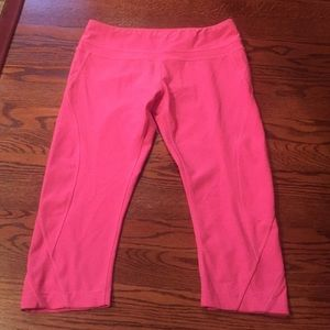 Pink mpg Capri leggings