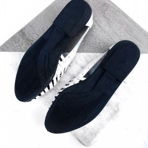 Vintage Shoes - Vintage white leather sandals