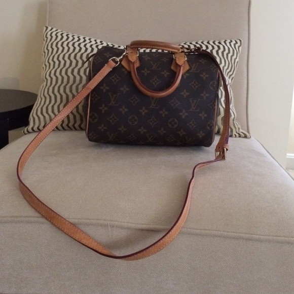 Louis Vuitton Handbags - Louis Vuitton Speedy 25 long strap monogram d33c8e8b74