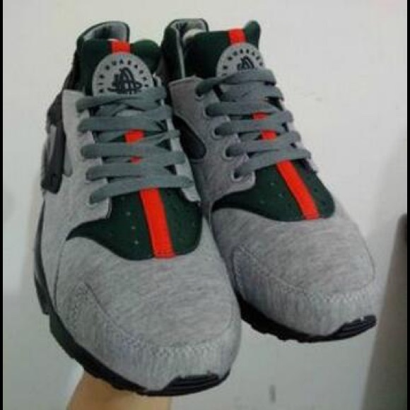 reputable site 8afd8 a4de1 Gucci huaraches NWT