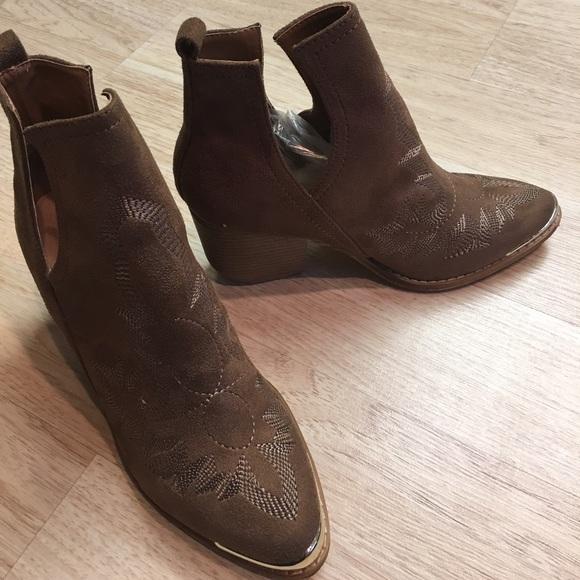 coffee suede steel toe cowboy booties nib from