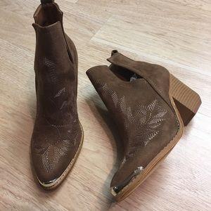 Ladies Coffee suede steel toe cowboy booties. NIB