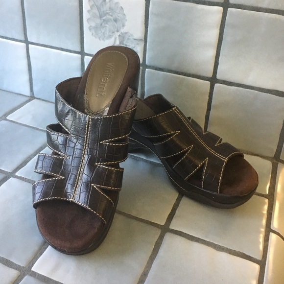 Whitemt Shoes - Perfect condition . Worn once