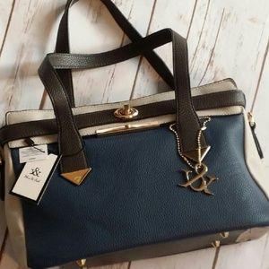 Hue & Ash Handbag