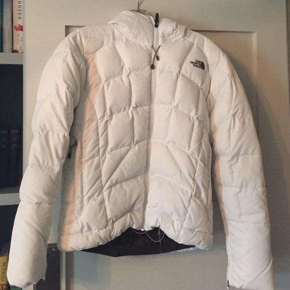 North Face 600 Down Fill White Hooded Ski Jacket. M 5824d7147f0a052958036e59 d123ce1ea