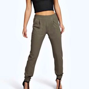 Boohoo Petite Pants - BOOHOO Petite Woven Trouser with Cuff Detail