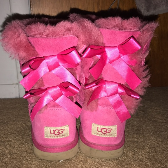 76 off ugg shoes pink bailey bow ugg boots from julia 39 s closet on. Black Bedroom Furniture Sets. Home Design Ideas