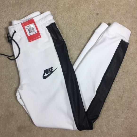 342c3631a0cd BRAND NEW‼️Nike joggers pants ⚡️