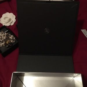 CHANEL Accessories - Chanel authentic magnetic box