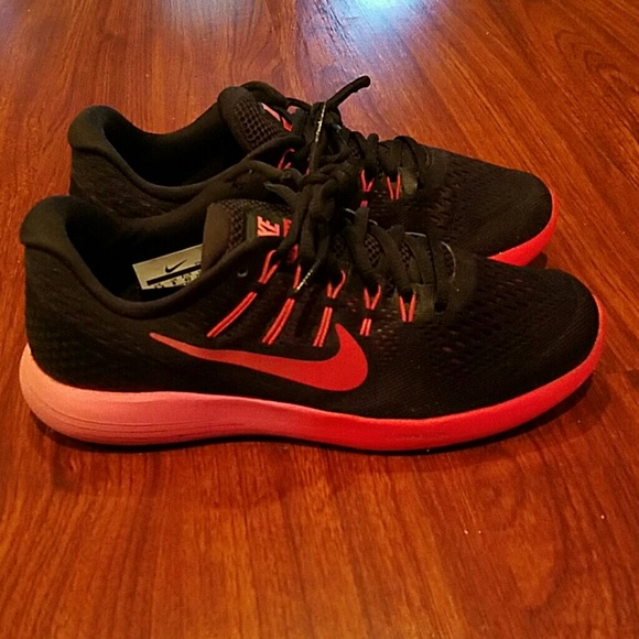 3e6c4ca70cf 86% off Nike Shoes - Nike Lunarlon run easy running shoes size 8 1 2 from  Tiffany s closet on Poshmark
