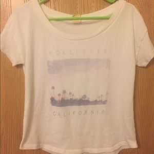 Hollister tee, size small