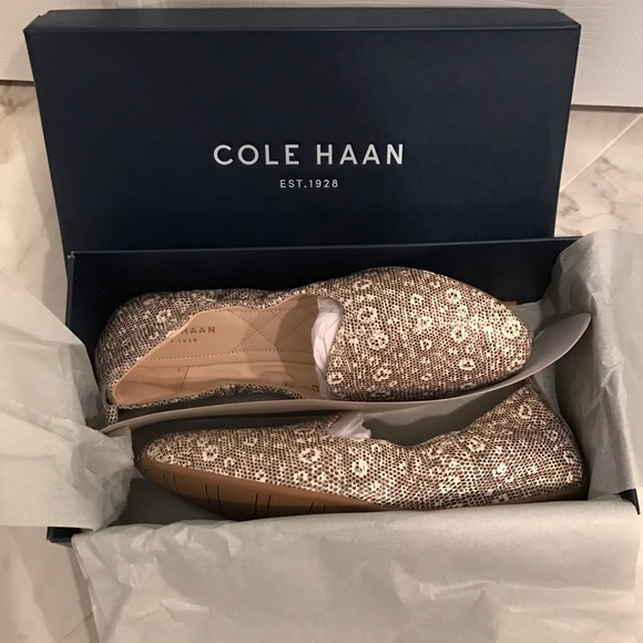 b2e9307cb0a COLE HAAN Loafer in Oat Lizard Print