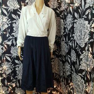 Vintage Dresses & Skirts - Vintage 80s long sleeve dress