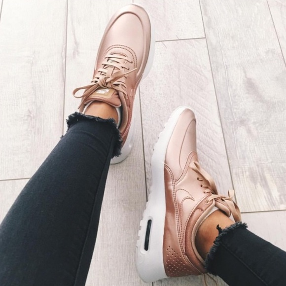 moins cher 7633d 81a78 Nike Airmax Thea Rose Gold